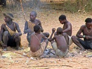 Tribu en el lago Eyesi
