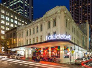 Hotel DeBrett, Auckland